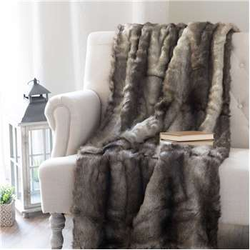ASPEN faux fur throw (180 x 150cm)