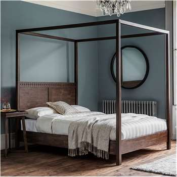 Beatnik Four Poster Bed in Brown (H200 x W191 x D211cm)