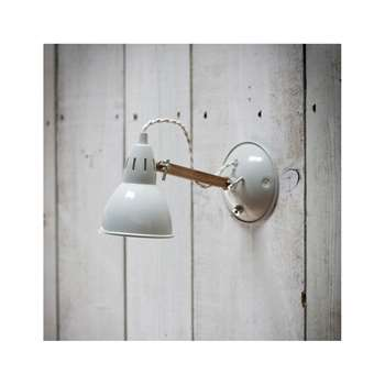 Bermondsey Wall Lamp in Vintage Oak (14 x 26cm)