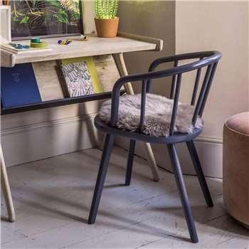 Carver Chair (H76 x W48 x D47cm)