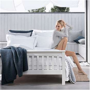 Classic Bed, Double, White (98 x 147cm)
