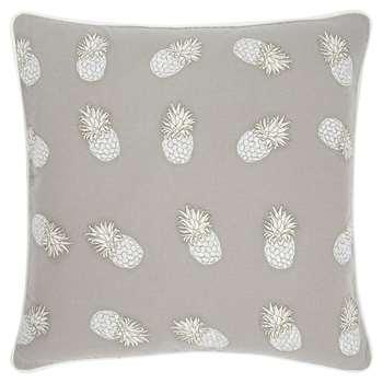 Elizabeth Scarlett - Ananas Cushion - Cloud (H45 x W45cm)