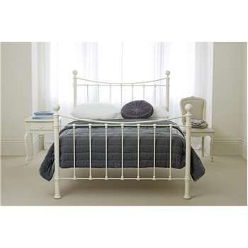 Hastings King Bedframe (135 x 158cm)