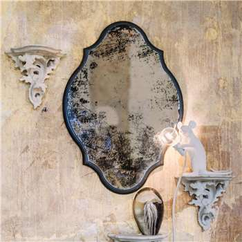 Juliet Antiqued Scalloped Mirror (H40 x W28 x D1.5cm)