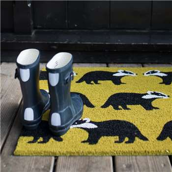 Kissing Badgers Doormat (H50 x W75 x D1.5cm)