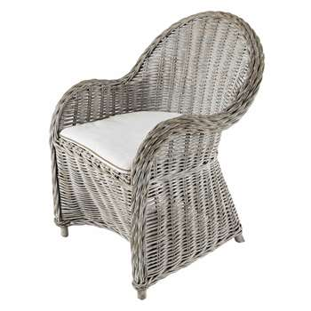 LUNA Greyed effect white rattan armchair (89 x 66cm)