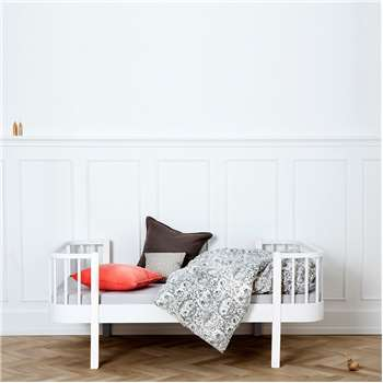Luxury Wood Toddler Bed in White (94 x 146cm)