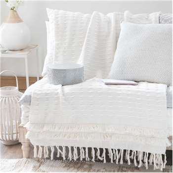 MARISSA white fringed cotton throw (160 x 210cm)