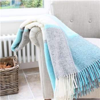 Marquis & Dawe Penbryn Blue And Grey Check Wool Throw (150 x 183cm)