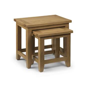 Medford Oak Nest of Tables (H50 x W56 x D38cm)