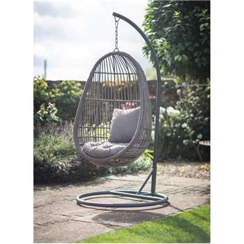 Nest Chair - All-weather Rattan (200 x 100cm)