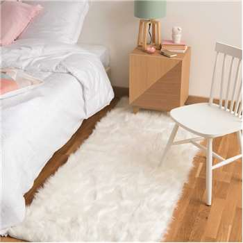OUMKA faux fur rug in white (80 x 200cm)
