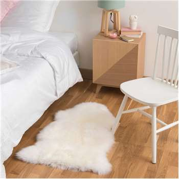 Sheepskin Rug in Ivory (H55 x W90cm)