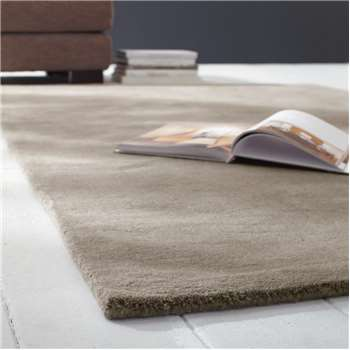 SOFT woollen low pile rug in beige 200 x 200cm