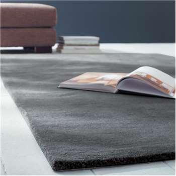 SOFT woollen low pile rug in charcoal grey (140 x 200cm)