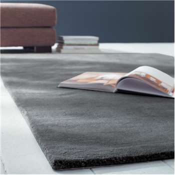SOFT woollen low pile rug in charcoal grey (250 x 350cm)