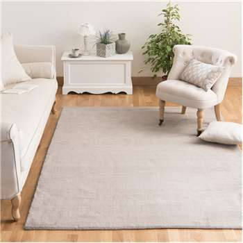 SOFT woollen low pile rug in light taupe (140 x 200cm)