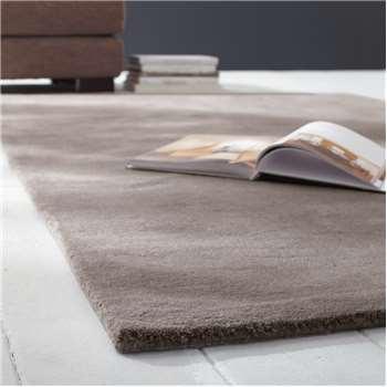 SOFT woollen low pile rug in light taupe 200 x 200cm