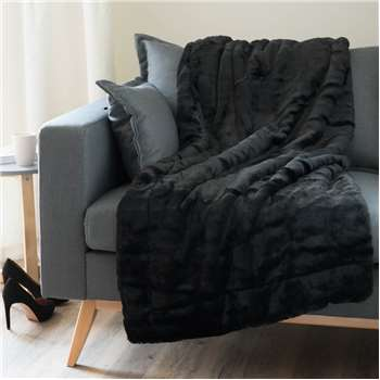 SOHO faux fur throw in black (150 x 180cm)