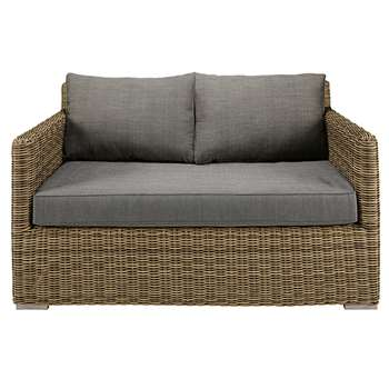 ST RAPHAËL 2-seater garden sofa in resin wicker with grey cushions (93 x 139cm)