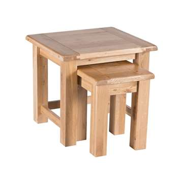 Willis & Gambier Oak normandy Nest of 2 Tables (50 x 55cm)